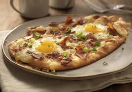 egg and cheese pizza